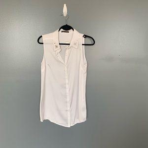 Suzy Shier Sleeveless Button Blouse White Medium